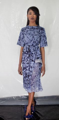 great new collection from one of Nigeria's creative design talent @makioh http://www.africafashionguide.com/2014/10/adire-fringing-and-more-maki-oh-the-making-of-a-master-designer/