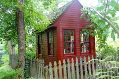 farm, picket fences, little red, garden tour, shades of red, potting sheds, garden cottage, chicken houses, backyard