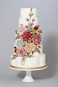 canada, flower cakes, roses, appliques, white weddings, belle, floral designs, white wedding cakes, vintage flowers