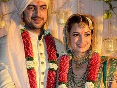 Dia Mirza interrupted the priest during nuptials?  http://toi.in/zJSipY