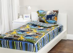Zipit Bedding Mix 'N  Match Wild Animals with Outer Space. Zipit Bedding is America's FIRST all-in-one zippered bedding that will forever change the way people, of ALL ages, make their beds! Simply put, it works like a Sleeping Bag… you just Zipit!