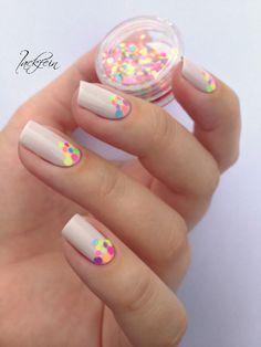 Pretty Neon Glitter Mani #lackfein #blogger #nailblogger #moonmani #nudepolish