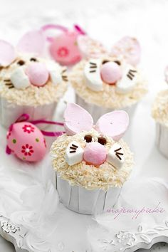 bunny face cupcakes - so cute