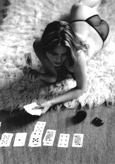 rug, sexi, queen of hearts, design art, playing cards, card games, shooting range, black, photographi