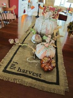 DIY Burlap Harvest & Fall Table Runner...instructions included.