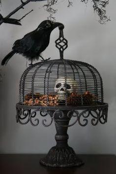 halloween raven cake stand