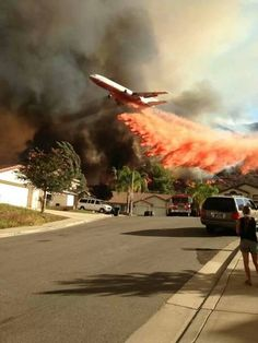DC-10 water bomber