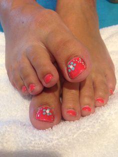 Pinkies Utah: neon coral shellac with blue flowers. Beautiful toe nail