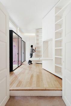 Hydraulic bookcases