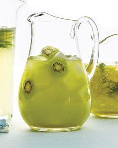 Refreshing kiwi lemonade..mmm love me some kiwi!!