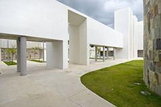 Natatorio / Fuster   Partners Architects