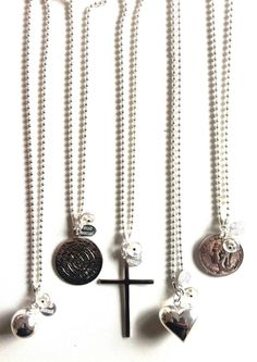 I have the necklace 2nd from the left.  One of my favourites.