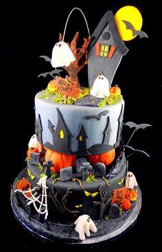 Halloween Cake - love those houses
