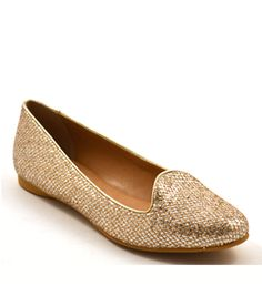 Neuaura Arisa Vegan Loafer adds a little sparkle to your outfit and is lined with vegan leather from sustainable factories in Brazil.