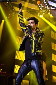 """""""Review: Queen + Adam Lambert mesmerize at iHeartRadio Music Festival"""" on Digital Journal. Click the pic to read the article."""