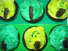 Dame Good Eats: Pinch Me I Must Be Dreaming! Thin Mint Chocolate Cupcakes