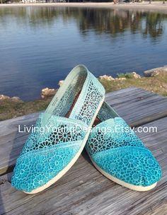 OMBRE CROCHET TOMS Dip Dye Crochet Ombre by LivingYoungDesigns, $95.00