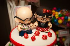 Gamer geek wedding cake OMG I think I found my cake topper!!! Or something maybe?