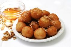 Amateur Cook Professional Eater - Greek recipes cooked again and again: Loukoumades - The glorious Greek doughnuts!