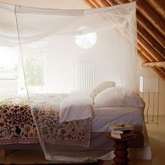 I would not mind waking up in this bed and room.