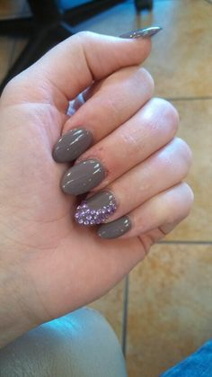 Perfect nails grey and purple
