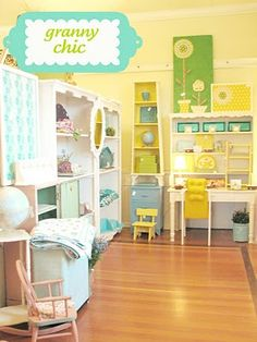 lovely colors and ideas. Would love for a craft room!