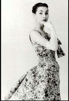Renee Breton is wearing a dress from Balenciaga's winter 1955/56 collection, photo by Tom Kublin 1955 rene, vintag fashion, histor fashion, dresses, 50s fashion, winter collection, fashion aka, balenciaga winter, cristob balenciaga