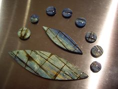 Sue Fisher's version of PcT Faux Labradorite Tutorial http://www.beadsandbeading.com/blog/faux-labradorite-polymer-clay-tutorials-vol-057/16619/ #polymer #tutorial #faux #labradorite
