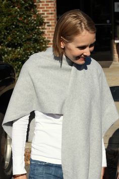 I added this link to my favourites a few years ago, but never got around to making the wrap.  Looking at it now, I realise this probably influenced me when I loved and bought my grey cardi with the ridiculously long panels at the front (which I love, no matter how silly they look).