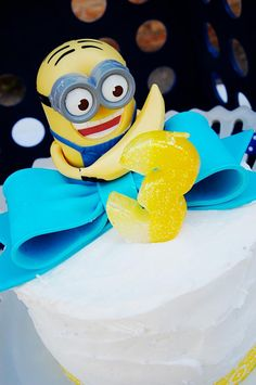 Adorable cake at a Despicable Me Minion Playdate Party via Kara's Party Ideas #minions #Playdate #DespicableMe #PartyIdea #PartyDecorations #cake #supplies