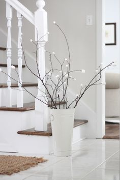 10 minute winter decor - a marshmallow tree!