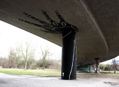 Street art Holding Hands