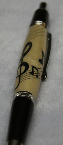 I NEED THIS PEN!!!!!