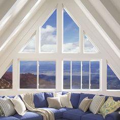 Beach house/ Cabin with amazing windows