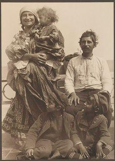 [Gypsy family.]