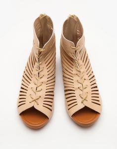 Selene Sandal In Beige