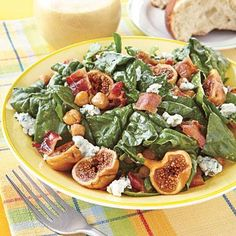 Quick and easy fall dinner ideas: Spinach Salad with Figs and Warm Bacon Vinaigrette recipe is a surprisingly filling one-dish meal!