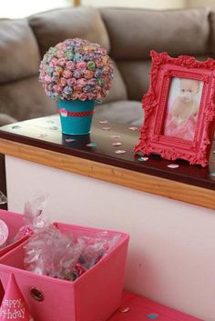 decorations for all parties and themes: kids/adult birthday, bridal/baby showers, etc...