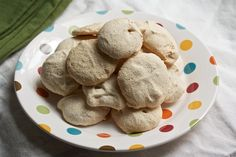 Peanut Butter Meringues Recipe - 4 ingredients