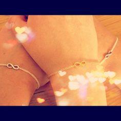 @paulinafrank Dogeared Infinity Bracelets as friendship bracelets, such a cute idea! | #dogeared #infinity #bracelets #friendship
