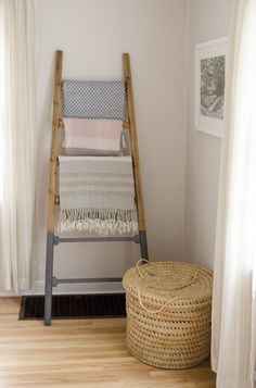 Blanket ladder with