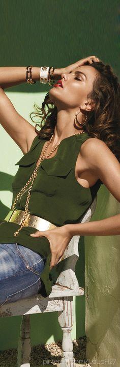 Gold belt, necklace, bangles ✨