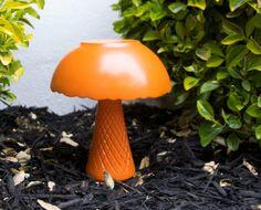 DIY: Garden Mushroom Yard Art using a vase, bowl and waterproof glue!