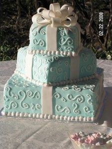 Tiffany Blue cake. Do you sense a theme in my color choices?