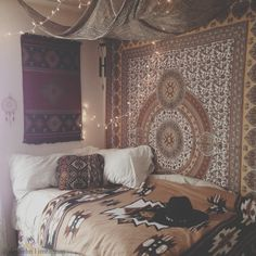 dorm boho, cozy dorm room, tapestry bedroom, boho bedrooms, cozy boho bedroom