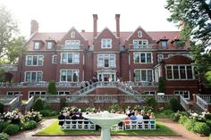 Glensheen Mansion in Duluth | Minnesota Bride Magazine
