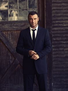 Liev Schreiber - oh there is something about him indeed