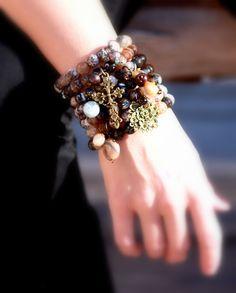 Love the stackable bracelets!