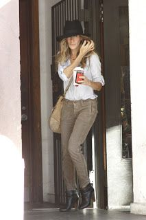My Intimate Affair with Fashion: Sarah Jessica Parker Casual & Stylish