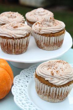 Pumpkin Chai Cupcakes with Maple Cinnamon Cream Cheese Frosting pumpkin chai, chai cupcak